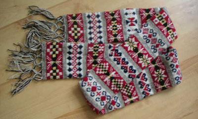 Fair Isle knitting Shetland yarn?Jamieson & Smith? Sanquhar gloves Euro J...
